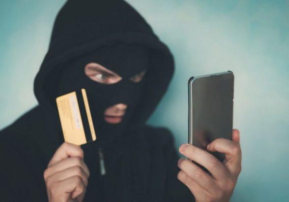 Миллионы россиян ответили на звонки от якобы сотрудников банка