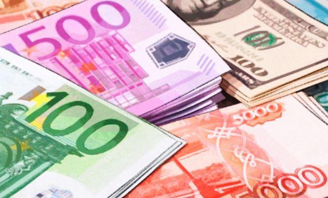 Российской экономике будет выгоден обвал доллара