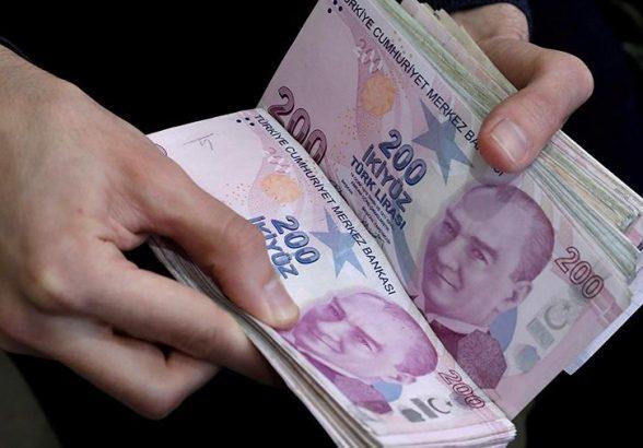 Курс турецкой лиры к доллару упал до критического психологического уровня