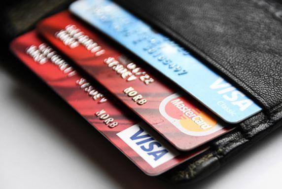 Российские банки захотели блокировать карточные переводы почти на месяц