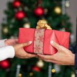 Эксперты выяснили, какую сумму россияне потратят на новогодние подарки
