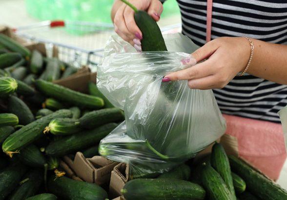 В Минпромторге объяснили отказ поддержать запрет на пластиковые пакеты