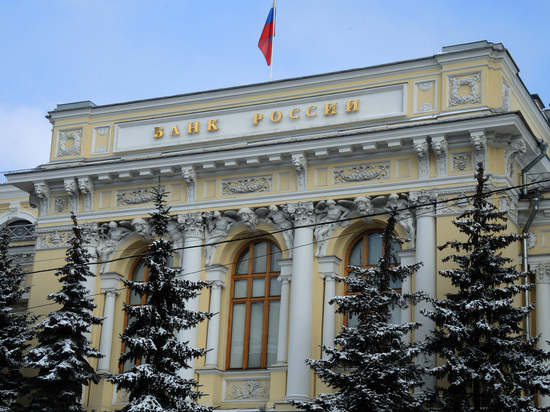 Путин поручил подумать над индексацией пенсий работающих пенсионеров