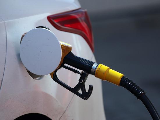 Почему в России снова начал дорожать бензин