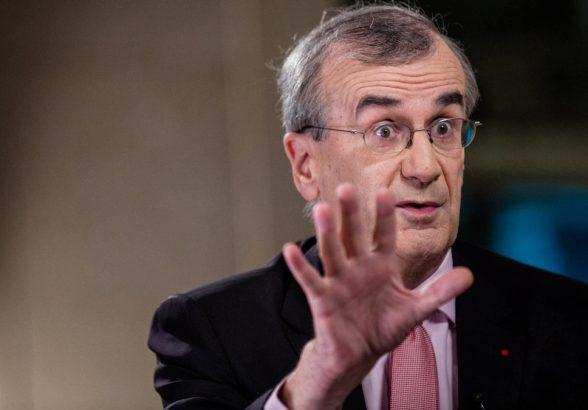 Глава Банка Франции предложил постепенно отменять меры поддержки населения в течение года