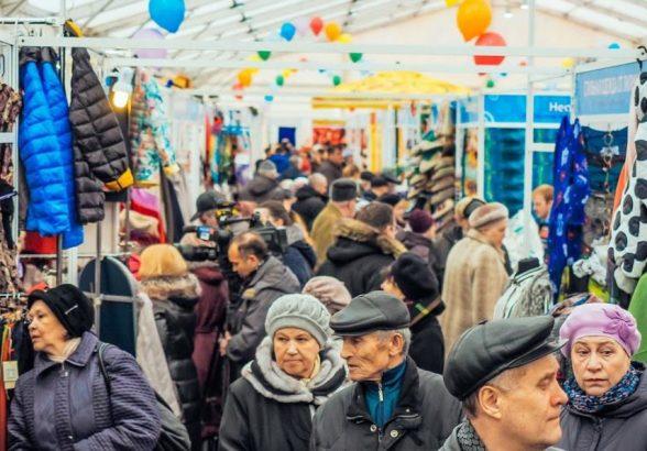 ФНС предложила ужесточить контроль за продавцами на рынках