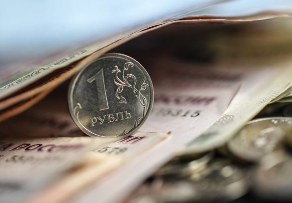 Эксперты: наибольший рост количества вакансий в РФ в июне зафиксировали в сфере торговли