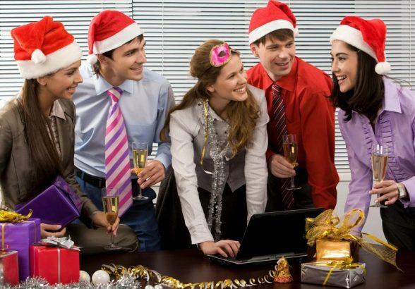 Какие подарки на Новый год выбрать для своих коллег?