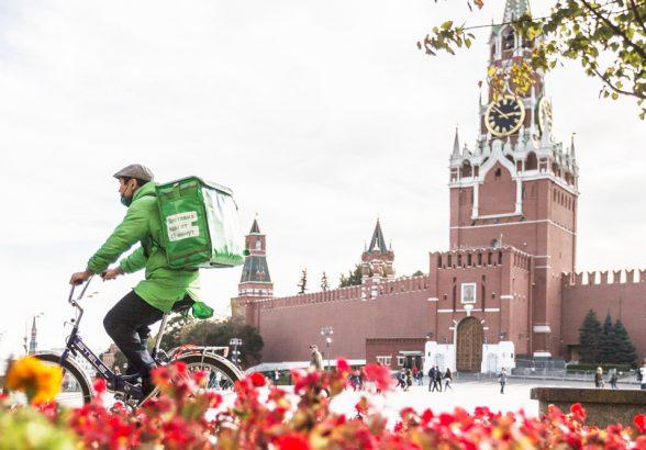 Как на самом деле живется доставщикам еды в Москве